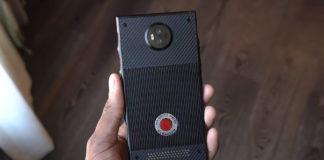 Arriva il primo smartphone olografico: immagini e chat in 3D