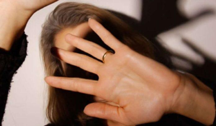 Casola, violenta e minaccia moglie davanti a figli piccoli: arrestato