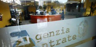 Agenzia delle Entrate, violano sistema per cancellare debiti: licenziati