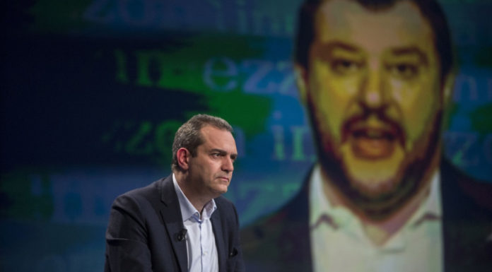 De Magistris-Salvini, continua lo scontro sul tema sicurezza
