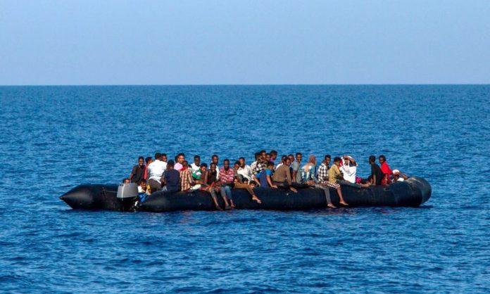 Migranti, nuova strage: 100 morti nelle acque libiche (tra cui tre neonati)