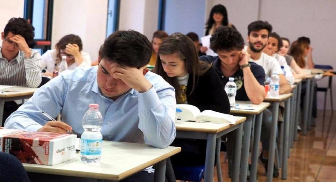 Scuola, ecco il nuovo esame di maturità: due prove scritte