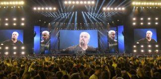 """Pino è, serata di emozioni al San Paolo in omaggio al """"Nero a metà"""""""