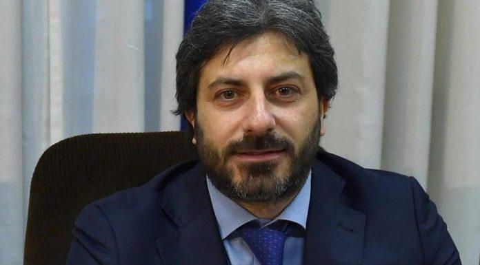 """Roberto Fico attacca Salvini: """"Un errore bello e buono denunciare Saviano"""""""