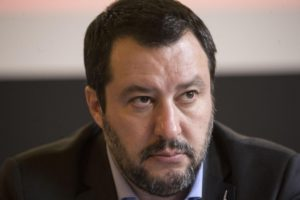 """Rolling Stone Italia """"Noi non stiamo con Salvini"""""""