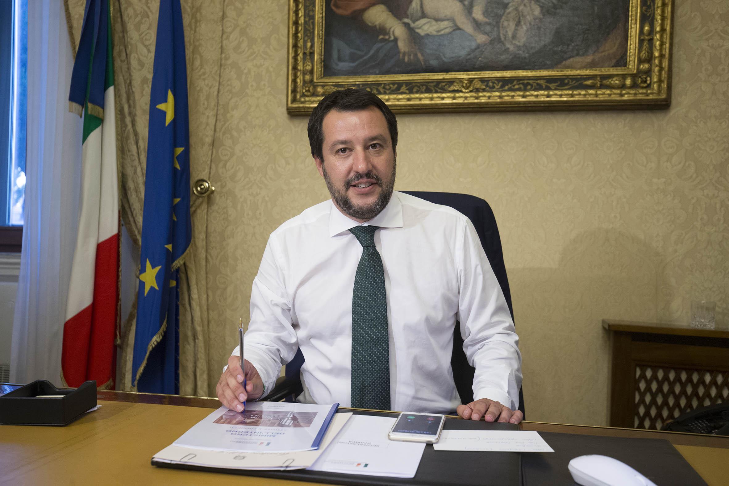 Salvini: 'Due navi Ong non cerchino porti in Italia'
