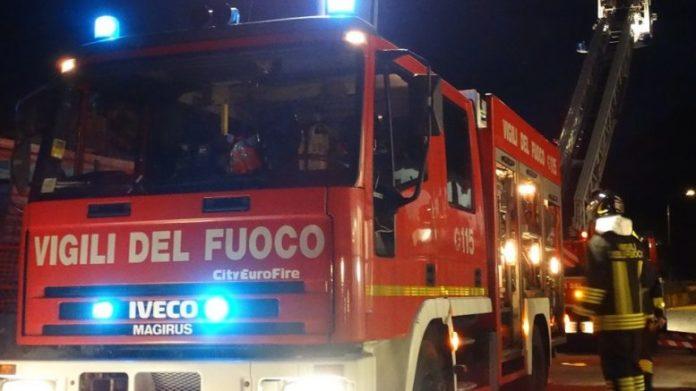 Afragola: Arrestato piromane, si aggirava per il centro cittadino appiccando incendi