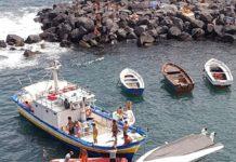 Napoli, Marechiaro: Un clubman 26 si ribalta, salvate le persone a bordo