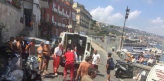 Napoli, Riva Fiorita: ambulanza bloccata da parcheggi selvaggi in Ztl