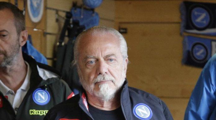 Calcio Napoli, Curva A contro De Laurentiis: striscioni in tutta la città