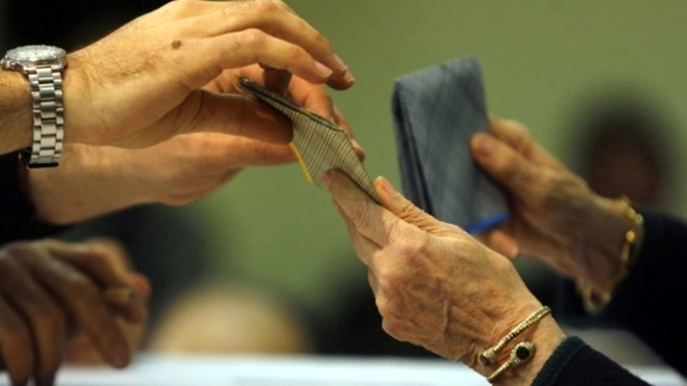 Napoli, voto di scambio: indagati consigliera Ulleto e tre candidati del Pd
