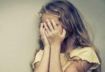 Campagna, abbandona figlia disabile per andare da amante: madre a processo