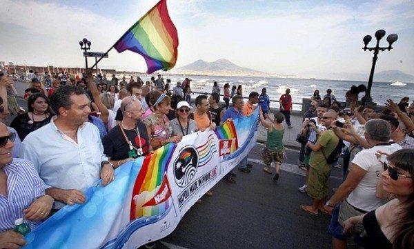 Mediterranean Pride of Naples 2018, la storica edizione a Piazza Dante