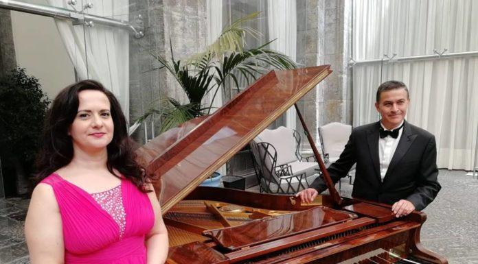 Olga De Maio e Luca Lupoli sulla Terrazza Borbonica a Gaeta