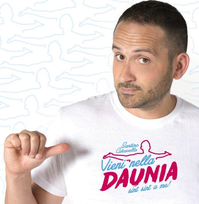 Santino Caravella, grande successo con Vieni nella Daunia