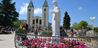 Camorra a Medjugorje, viaggi delle mogli dei boss: indaga la Procura