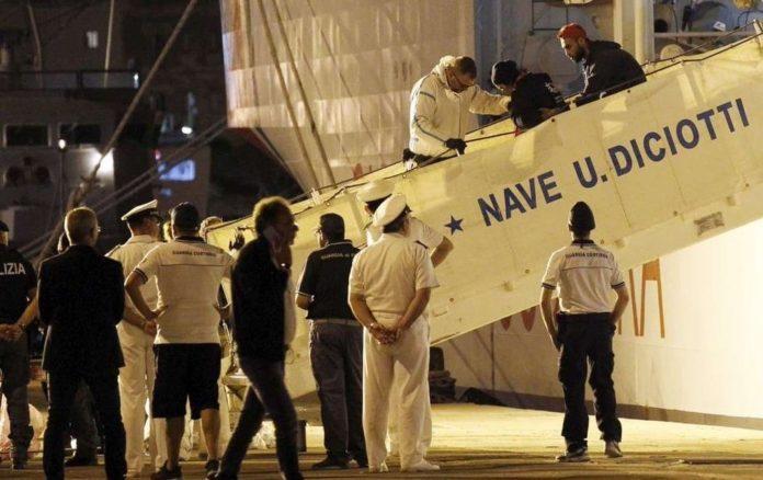 Diciotti, 67 migranti sbarcati a Trapani: decisivo intervento del Colle