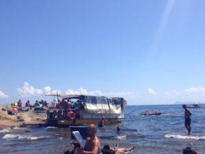 Napoli, Marechiaro: sequestrate attività commerciali abusive