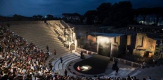 Scavi di Pompei, rock e tragedia: ieri concerto dei King Crimson ed Eracle