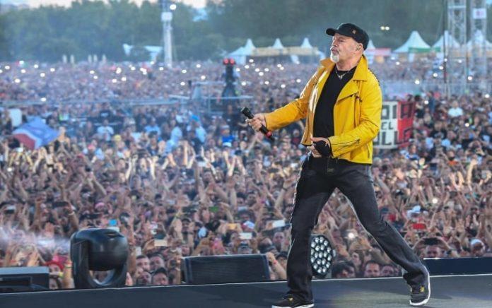 Vasco Rossi, il rocker annuncia un nuovo tour negli stadi per il 2019