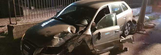 Salerno, tragico incidente: 5 giovani feriti