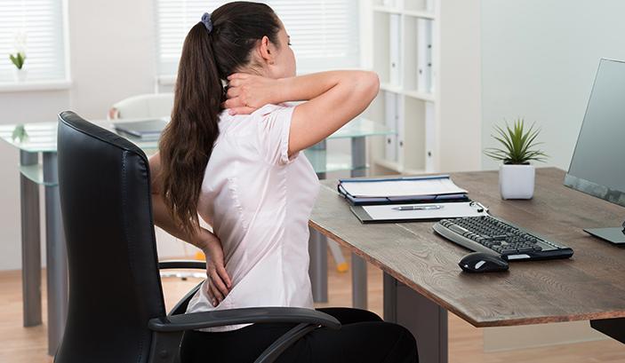 Il segreto per una salute migliore è alzarsi dalla sedia ogni mezz'ora