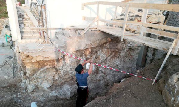 Anacapri, denunciate 6 persone per abusivismo in località Grotta Azzurra