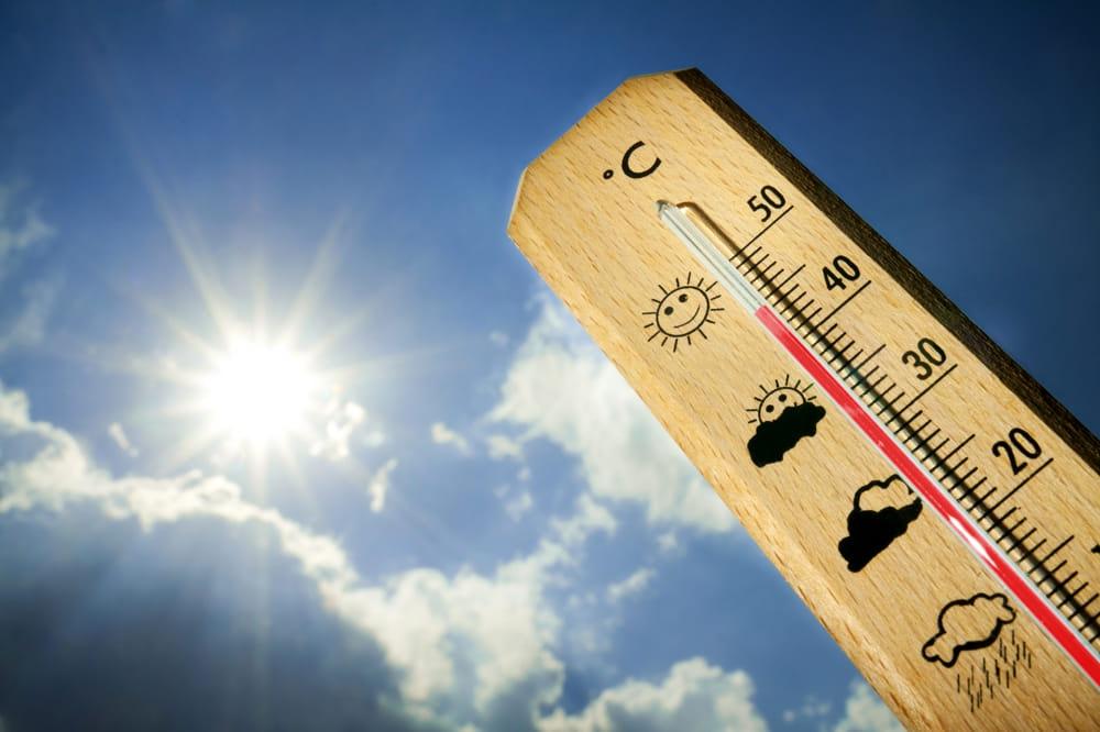 Meteo Campania, esplode l'estate: temperature oltre i 35°
