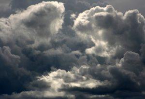 Meteo Campania, previsto rialzo delle temperature e nubifragi al Sud