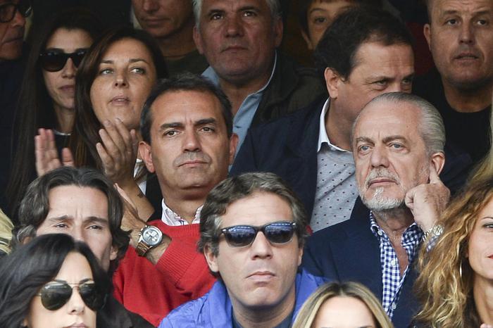 Calcio Napoli, niente biglietti omaggio per i consiglieri per la gara col Milan