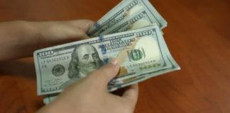 Avellino, maxi-sequestro di dollari falsi: una 40enne nei guai