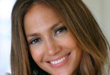 Jennifer Lopez, bagno di folla a Capri per la celebre artista