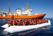 """Guardia Costiera soccorre 170 migranti, Salvini: """"Viminale non sapeva"""""""