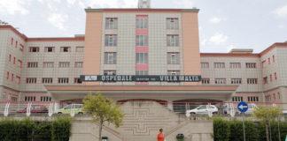 L'intervento all'anca diventa un'odissea: 63enne muore dopo il ricovero in 3 ospedali