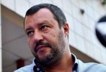 """Salvini: """"Io sono sia ministro che sbirro per missione"""""""