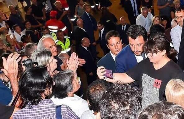 """Crollo di Genova, de Magistris attacca Salvini: """"Inqualificabile"""""""