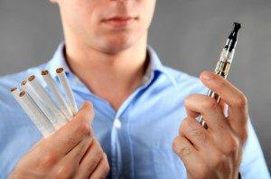 Sigarette Elettroniche, 'svapare' è una moda. Ma quali sono i rischi?