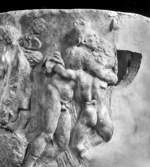 Al Museo Campano di Capua, restaurato un antico vaso di marmo