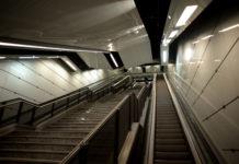 Torino, 29enne muore cadendo dalle scale mobili della metro