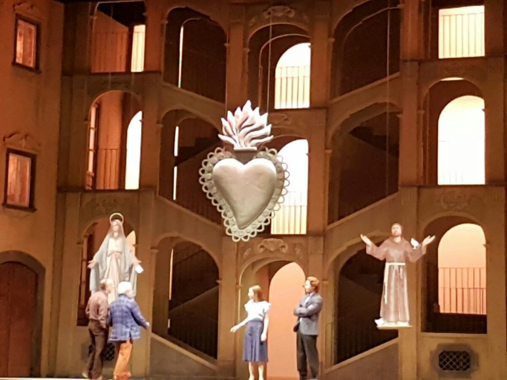 La Napoli di 'Bellavista' al Teatro San Carlo