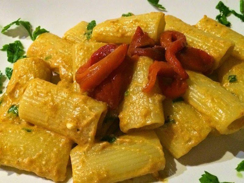 Piatto unico, ricetta pasta con la ricotta e peperoni