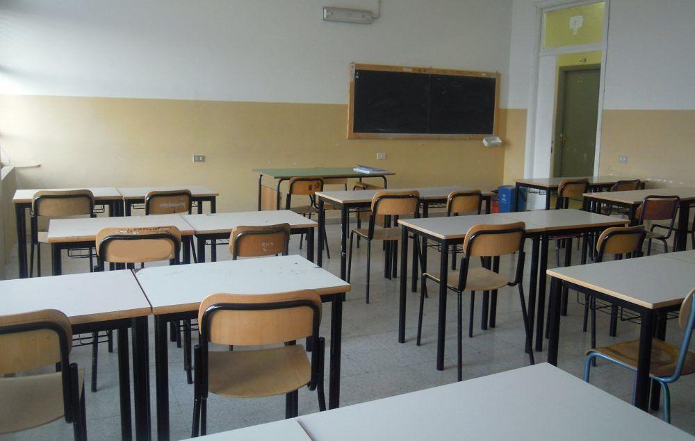 Trecase, topi alla scuola D'Angiò: mamme chiedono l'immediata pulizia