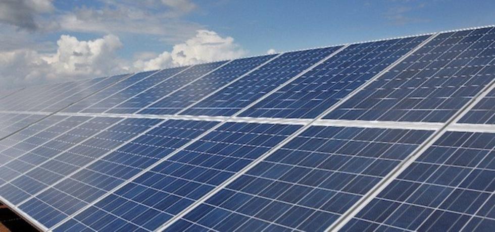 Napoli, pannelli solari istallati in città non allacciati alla rete elettrica