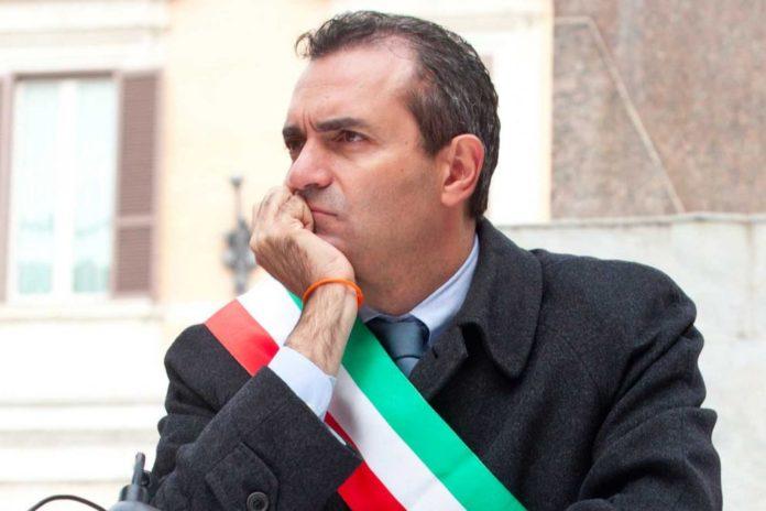 """Napoli, De Magistris: """"Una moneta aggiuntiva all'Euro"""