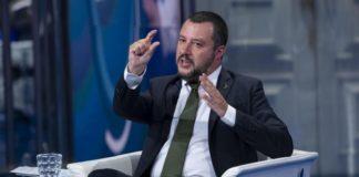 """Pensioni, Salvini rilancia e promette: """"Quota 100 a 62 anni"""""""