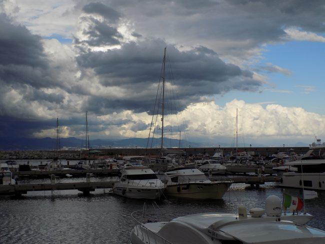 Meteo Campania: Per il primo maggio il tempo peggiora a Centro-Sud