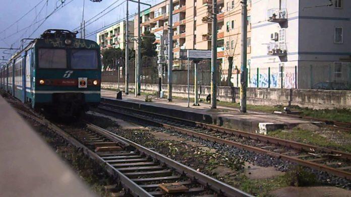 Napoli, metro linea 2 ferma per guasto elettrico