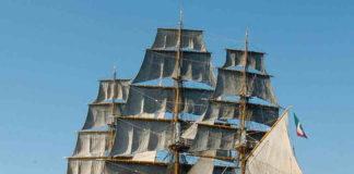 Naples shipping week, l'Amerigo Vespucci approda a Napoli