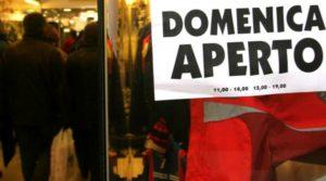 """Di Maio: """"Turni per le domeniche, il 25% dei negozi resterà aperto"""""""