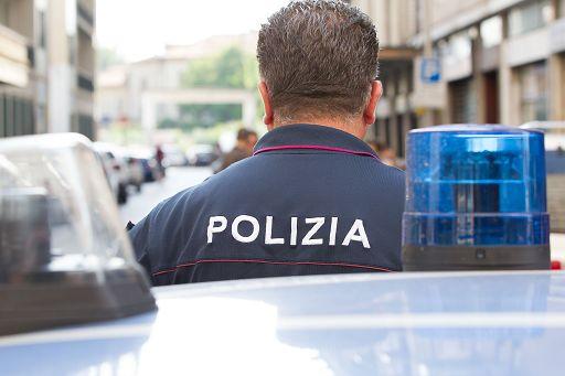 Ponticelli, polizia spara in aria per fermare fuggitivo: le proteste dei cittadini